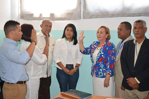 Juramentan directora del hospital municipal de La Descubierta