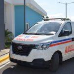 SNS entrega nueva ambulancia al hospital San Bartolomé de Neiba