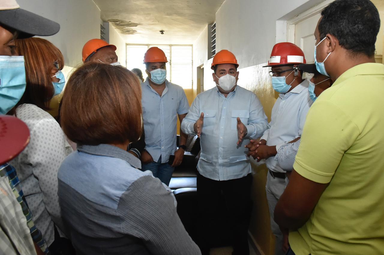 Director SNS supervisa hospitales región Sur durante el fin de semana